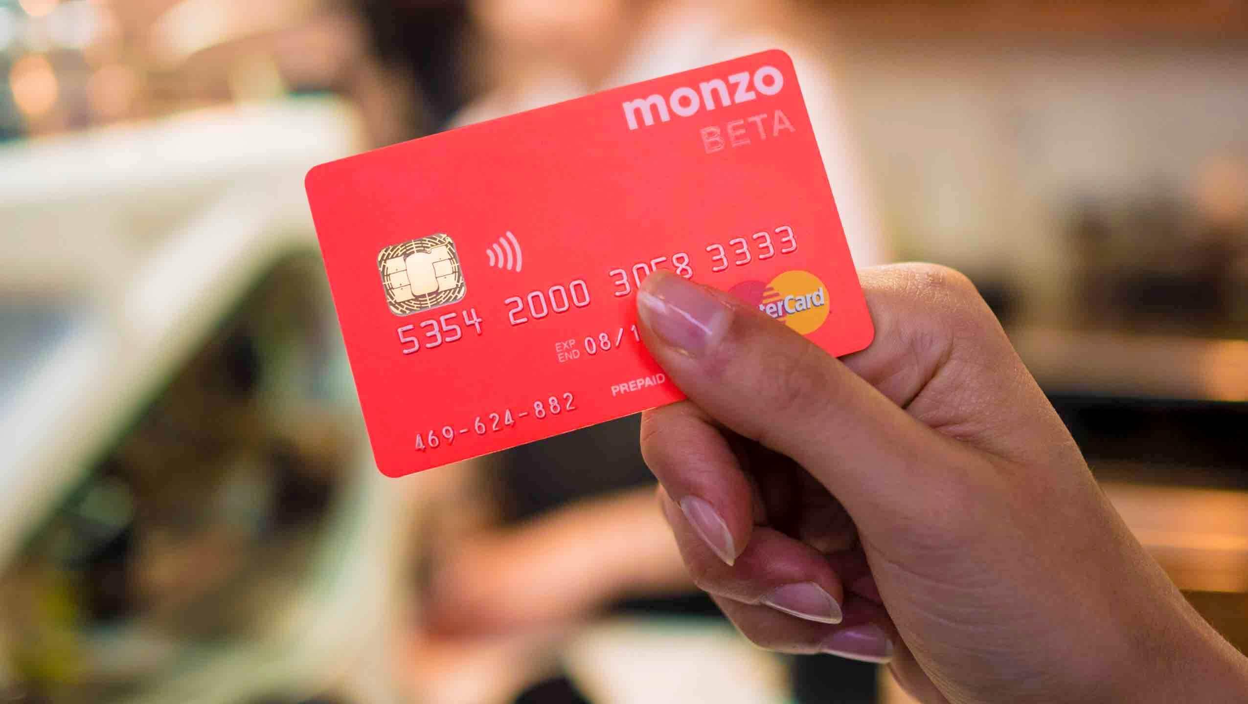 Monzo fintech startup prepaid bankolás