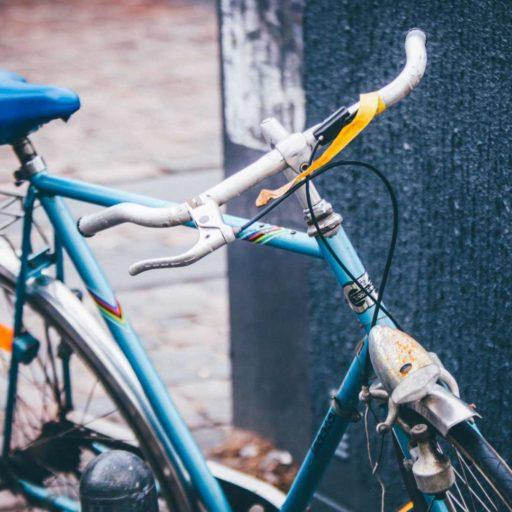 Hogyan lett régen Karcsinak biciklije?