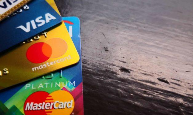 Melyik bankkártyát használjuk külföldön? K&H-val a legjobban, Erste-vel a legrosszabbul jártunk júliusban