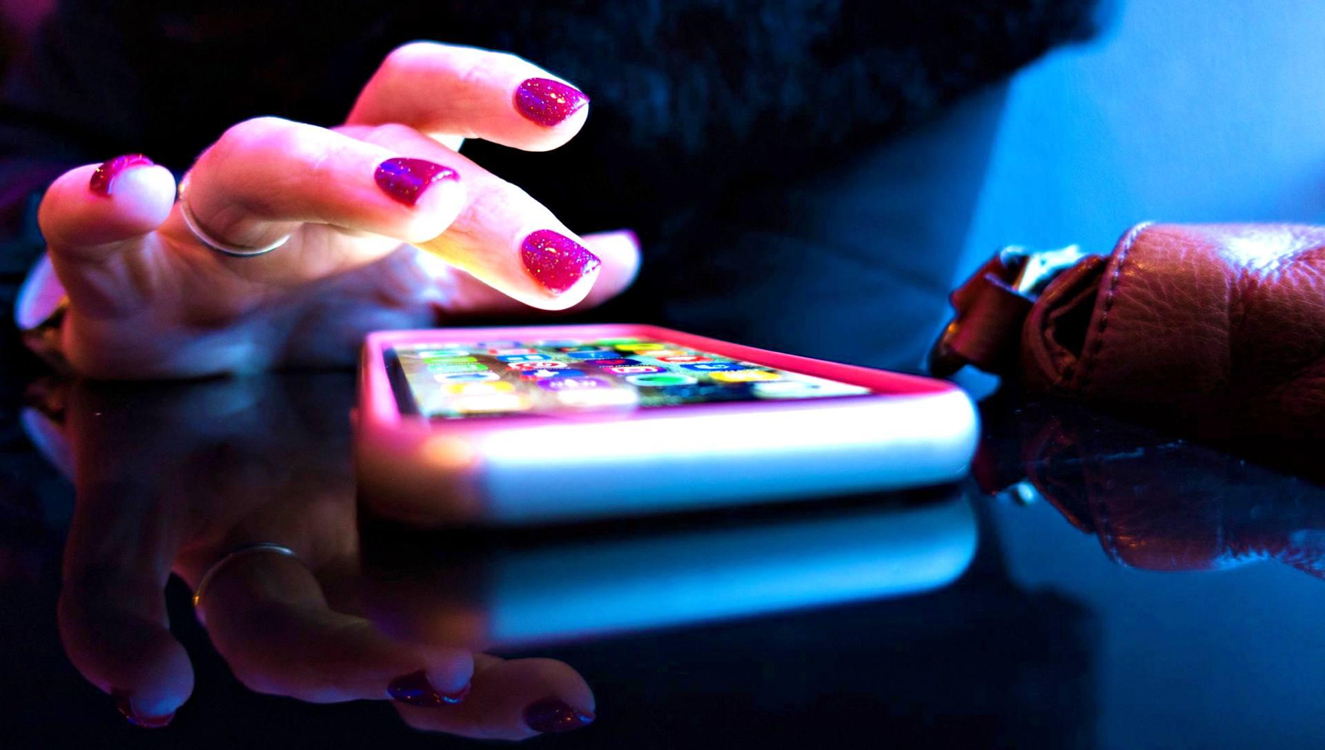 2 millió letöltött banki mobilalkalmazás Magyarországon