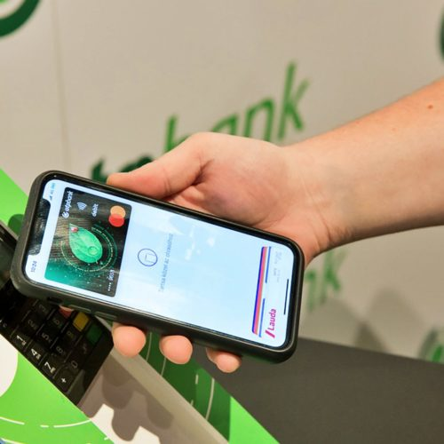 60 ezer kártya került az Apple Pay-be 10 nap alatt