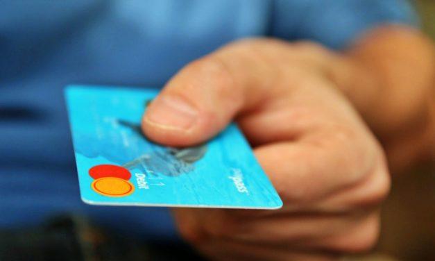 A nagy bankkártya mustra: ennyibe kerül a külföldi kártyahasználat