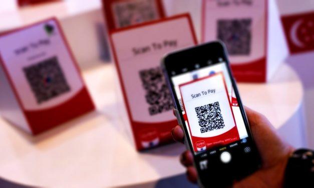 Pénzügyminisztérium: 2021. január 1-től mobiltelefonszámmal, QR-kódos fizetéssel is teljesíthető az elektronikus fizetés kötelezettsége