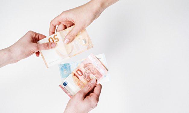 Pénzt adnak azért, ha nem készpénzzel fizetsz! Olasz kezdeményezés a készpénz ellen