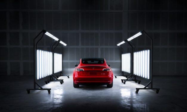 Itt a Tesla vezetési szokáson alapuló biztosítása